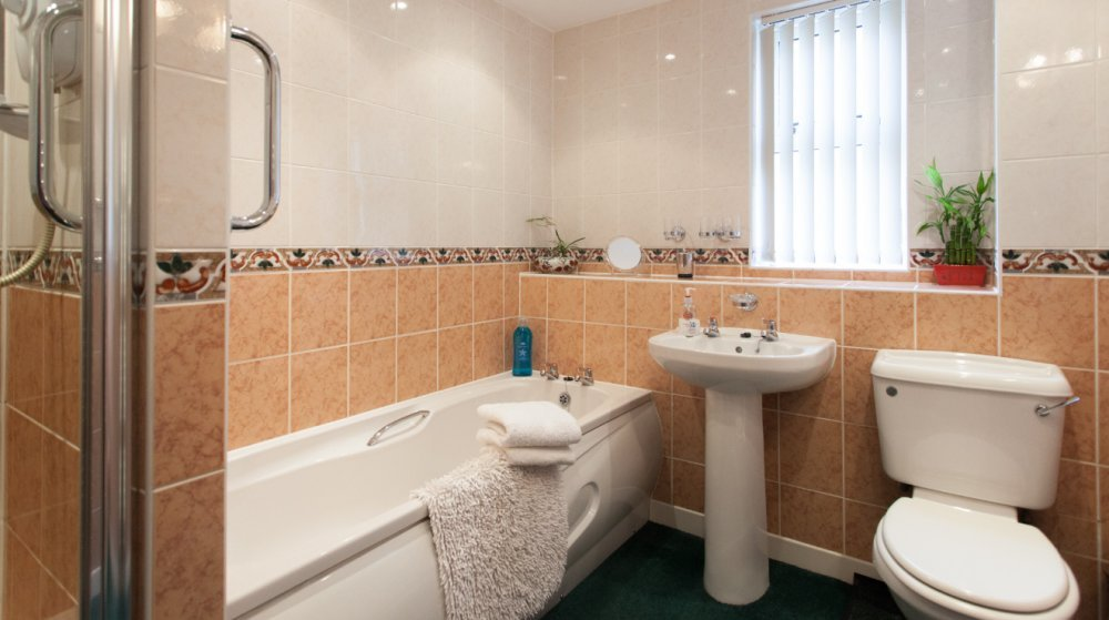 Berwick Holiday Cottage Bathroom